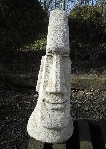 KAEI2 Giant Easter Island Head